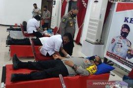 Polda Sulteng donor darah bantu bencana gempa Sulbar