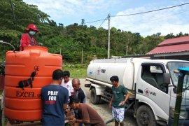 PMI Sulsel distribusi air bersih ke pengungsi korban gempa di Mamuju Sulbar