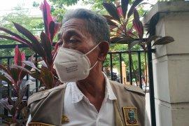 Tiga pengungsi Sulbar  positif COVID-19 di Makassar