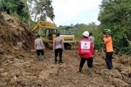 Longsor kembali memutus jalur trans Sulawesi Majene-Mamuju