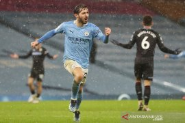 Manchester City merebut puncak klasemen seusai bungkam Aston Villa 2-0