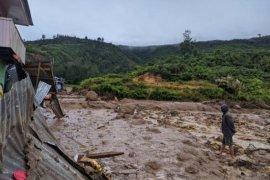 Pemkab Paniai programkan normalisasi Kali Tuniyai  di kampung Uwibutu