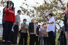 Wagub Steven dampingi Mensos Risma kunjungi lokasi bencana banjir-tanah longsor