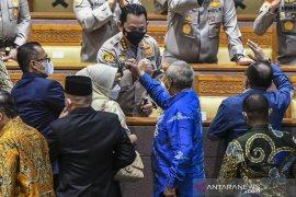 DPR sampaikan surat persetujuan calon Kapolri Listyo Sigit kepada Presiden