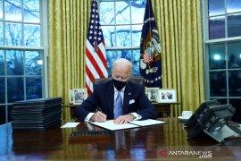 Presiden AS Joe Biden minta wisatawan internasional untuk lakukan karantina