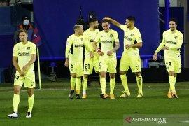 Luis Suarez cetak dwigol antarkan Atletico bangkit tundukkan Eibar