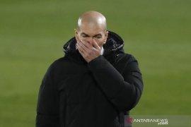 Zidane positif tertular COVID-19