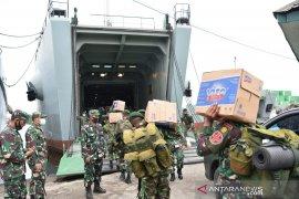 Tiga kapal TNI bawa bantuan kemanusiaan ke Kalsel dan Sulbar