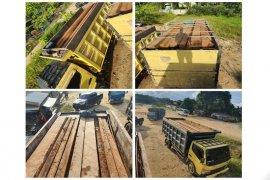Empat sopir dan truk  angkut kayu ilegal ditangkap di Barut