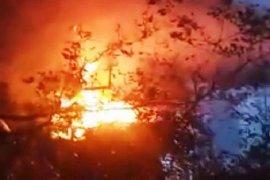 Seorang warga penghuni pulau kosong  tewas terbakar bersama gubuknya