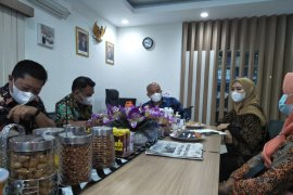 Abrasi ancam Sinjai Utara, Wakil Bupati temui Kepala BBWS Pompengan-Jeneberang