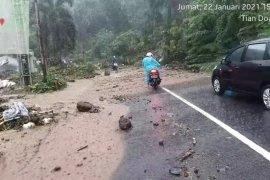 BMKG: hujan lebat sebabkan banjir-longsor di Sulut