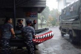 Lantamal VIII kerahkan Tim Siaga Banjir bantu warga Manado