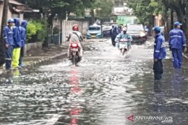 Heavy rain triggers flooding in 7 Jakarta neighborhoods, 15 roads