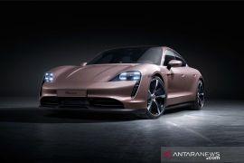 Porsche Taycan hadirkan varian keempat, harga Rp2,5 miliar