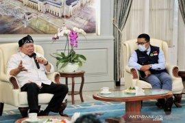 La Nyalla optimistis objek wisata Saung Angklung Mang Udjo di Bandung dapat bertahan