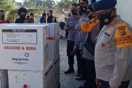 Polda Papua kawal kedatangan 28.080 vaksin COVID-19 kedua di Jayapura