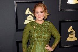 Adele rayakan satu dekade kesuksesan album \'21\'