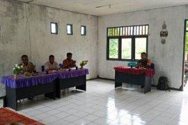 Babinsa Koramil Biak Utara hadiri musrenbang kampung Madirai