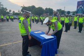 Anggota Ditlantas Jambi tanda tangani pakta integritas tak korupsi