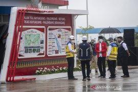 Presiden Jokowi minta pemda bangun ekonomi sepanjang Tol Kayu Agung-Palembang