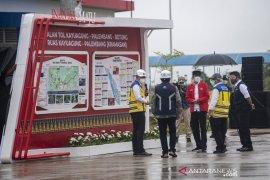 Presiden Joko Widodo minta pemda bangun ekonomi sepanjang Tol Kayu Agung-Palembang