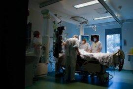 Pasien COVID-19 rawat inap dan ICU di Prancis meningkat