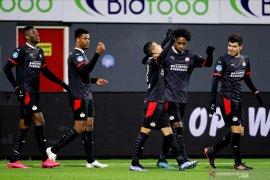 Liga Belanda, Menang di Emmen PSV merangsek ke posisi kedua