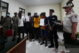 Satpol PP Payakumbuh amankan 13 anjal yang dinilai meresahkan warga
