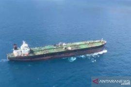 Dua tanker  tangkapan Bakamla digiring ke Batam