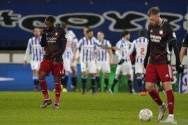 Feyenoord dibuat tak berdaya saat dibungkam tiga gol tanpa balas di markas Heerenveen