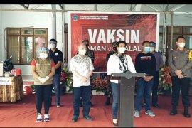 14 Pejabat Forkopimda Kabupaten Sitaro ikuti vaksinasi COVID-19