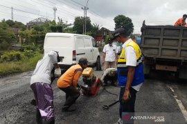 Sumbar kembali perbaiki jalan Bukit Manggiu Solok  Selatan, Rp6 miliar digelontorkan