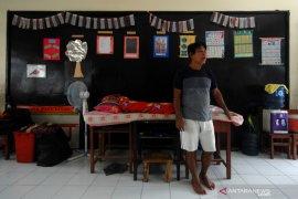 Pengungsi banjir masih bertahan di sekolah