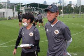 Pelatih Timnas Indonesia belum dapat divaksin COVID-19 karena WNA