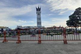 Bukittinggi tutup area Jam Gadang saat libur Imlek 2021