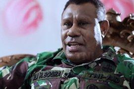 "Letjen TNI Ali Hamdan Bogra, \""kakak besar\"" para calon bintara otsus Papua"