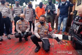Penembakan tewaskan tiga orang di  Jakarta Barat