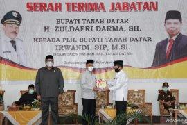 Masa kepemimpinan berakhir, Zuldafri Darma serahkan jabatan ke Plh Bupati Tanah Datar