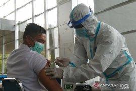 97 persen tenaga kesehatan di Sultra sudah dapat suntikan vaksin COVID-19
