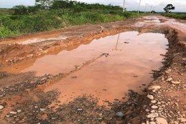 Sulit dilintasi kendaraan, jalan penghubung Mesuji Timur- Rawa Jitu Utara rusak parah