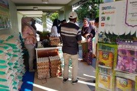 Penerima BST bisa langsung beli sembako di Kantor Pos Padang