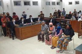Pemilik gudang tembakau maafkan empat emak-emak di persidangan PN Praya