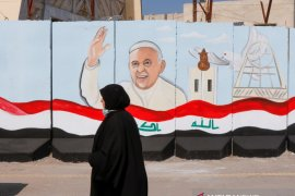 Paus Fransiskus bertolak ke Irak, suatu perjalanan bersejarah dan berbahaya