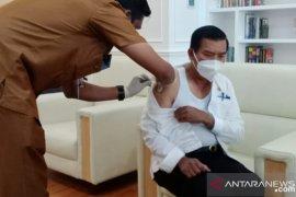Pekanbaru belum terima jadwal vaksinasi Sinovac bagi lansia