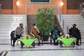 Bupati Pringsewu hadiri pendistribusian surat dan kotak suara pemilihan kepala pekon