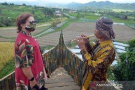 Jasa Musisi Tradisional Di Objek Wisata