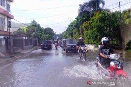 Palembang turunkan tim untuk bersihkan saluran  air permukiman
