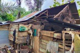 Satu rumah warga Kolaka rusak akibat angin kencang