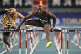 Holloway pecahkan rekor lari gawang putra 60 m